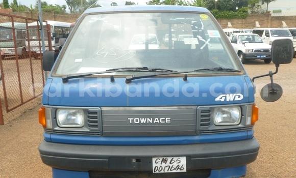 Buy Toyota Town Ace Blue Car in Arua in Uganda