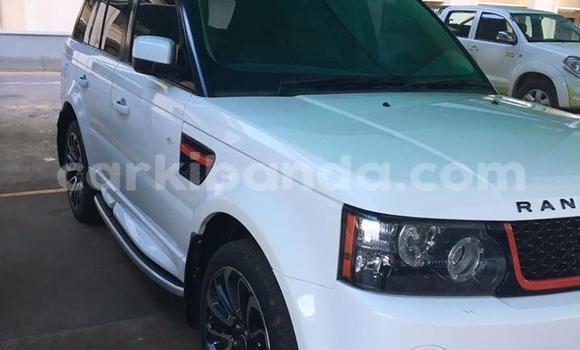 Buy Land Rover Range Rover White Car in Kampala in Uganda