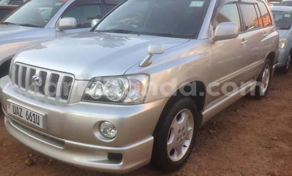 Buy Toyota Kluger Silver Car in Arua in Uganda