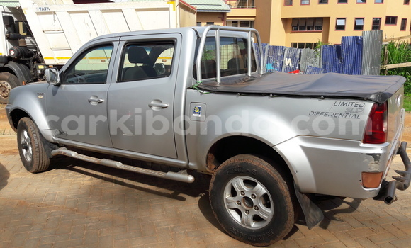 Buy Tata Xenon Silver Car in Arua in Uganda
