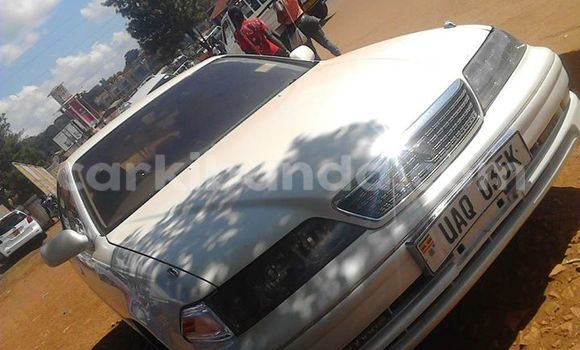 Buy Toyota Mark II White Car in Kampala in Uganda