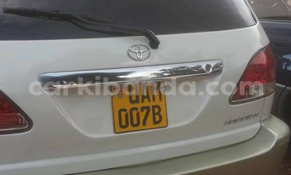 Buy Toyota Harrier White Car in Busia in Uganda